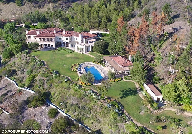 robbie-williams-beverly-hills-house-new
